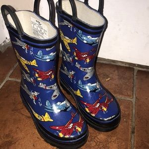 Rain boots with airplanes size 9